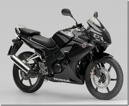 2007_Honda_CBR125R_Black_r